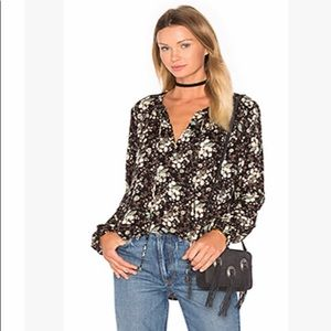 WAYF floral top with neckband, sz S